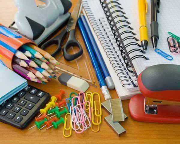Carrefour material escolar-economico
