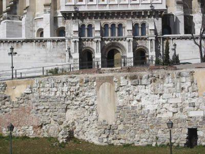 Restos de la muralla árabe que bordeaba Magerit