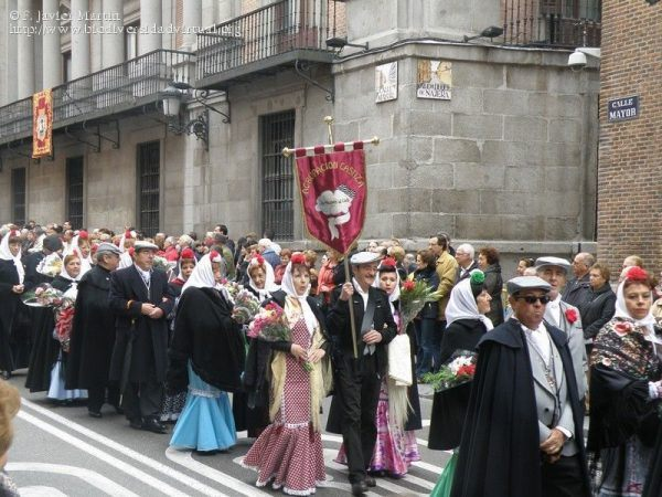 cuando-es-la-fiesta-de-la-almudena-procesion