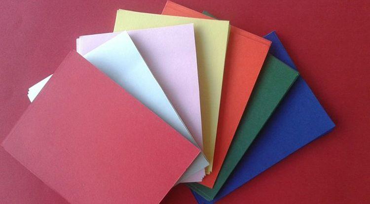 metodo-de-ahorro-de-los-sobres-abanico-de-sobres-de-colores