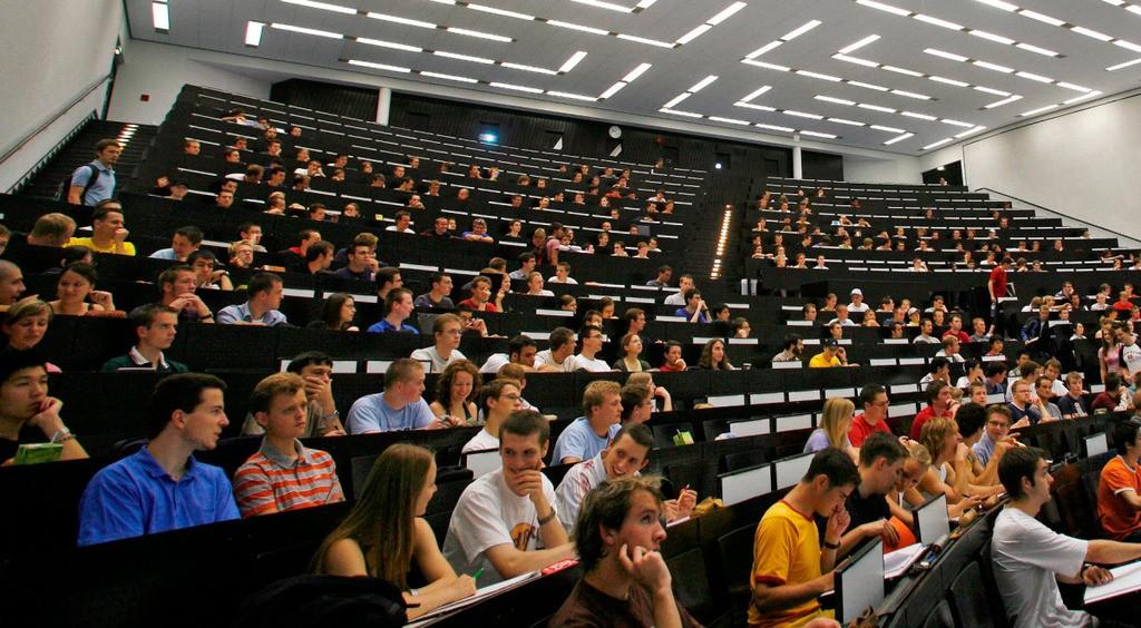 carreras-con-mas-ofertas-de-empleo-universidades-aula-universitaria