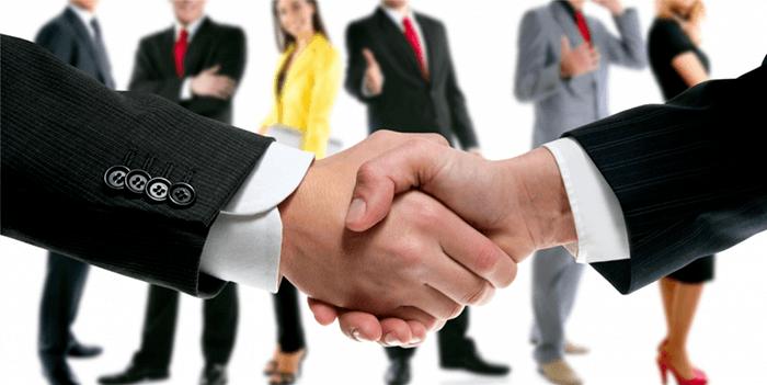 concepto-de-negociacion-apreton-de-manos