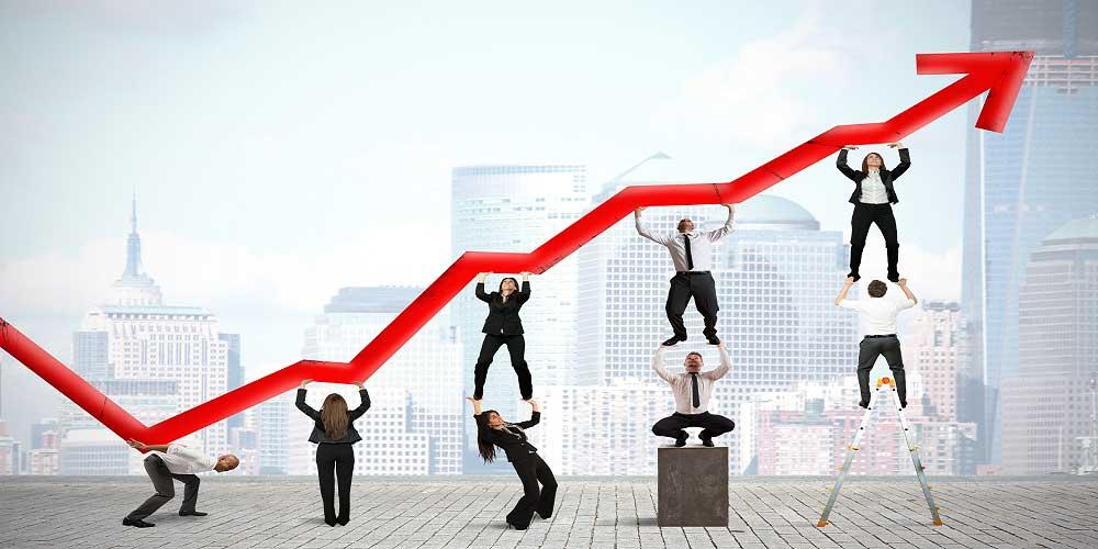 los-foros-de-finanzas-mas-importantes-personas-soportando-flecha