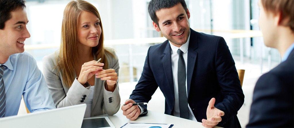 Funciones-Técnico-Superior-Administración-Finanzas-reunion-de-negocios