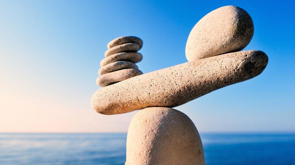 principios-de-la-contabilidad-financiera-piedras-en-equilibrio