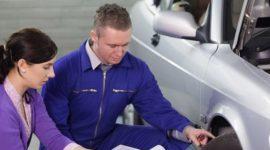 Cuánto cuesta el mantenimiento de un coche y de una moto