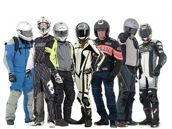 gastos-basicos-del-mantenimiento-de-una-moto-personas-vestimenta-moto