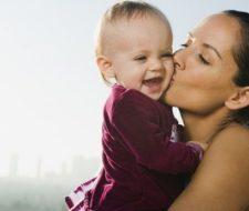 Ayudas por maternidad 2018 – Ayuda a madres trabajadoras y solteras