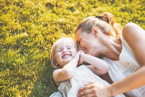 ayudas-madres-100-euros