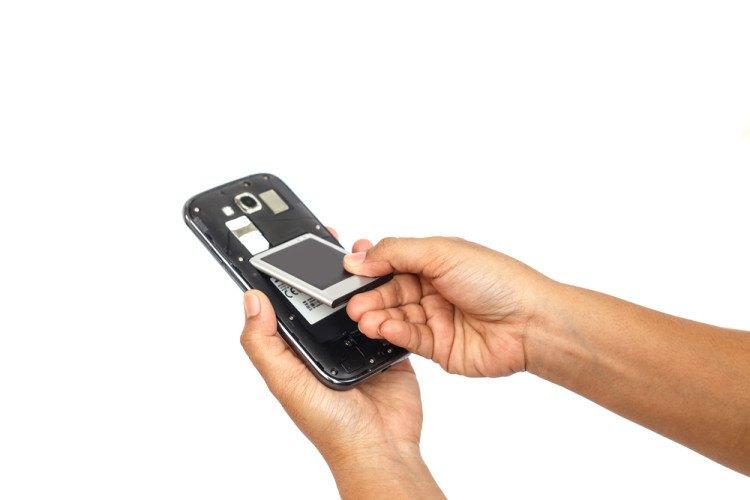 21f51cc61bd Cuánto cuesta al año cargar la batería del móvil? - DeFinanzas.com