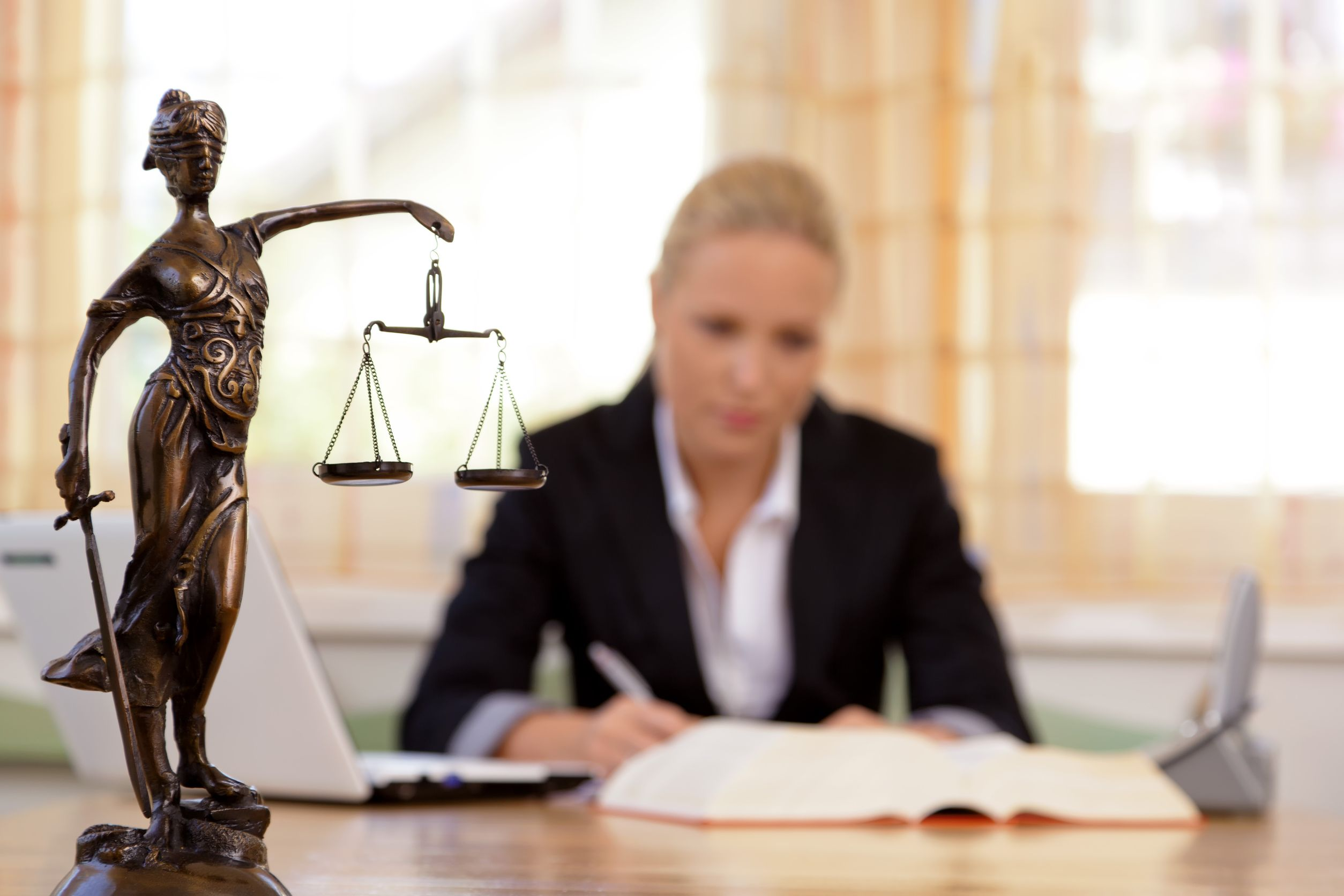 Cuánto gana un abogado en méxico