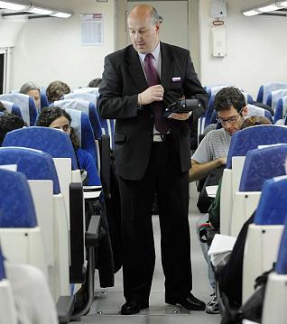como-tranajar-en-renfe-de-revisor-pasajeros