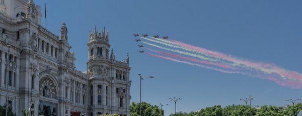 desfile-de-aviones-dia-hispanidad