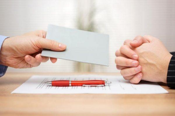 Entrega carta de despido