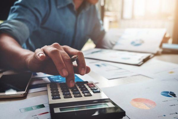 Qué datos deben contener todas las facturas