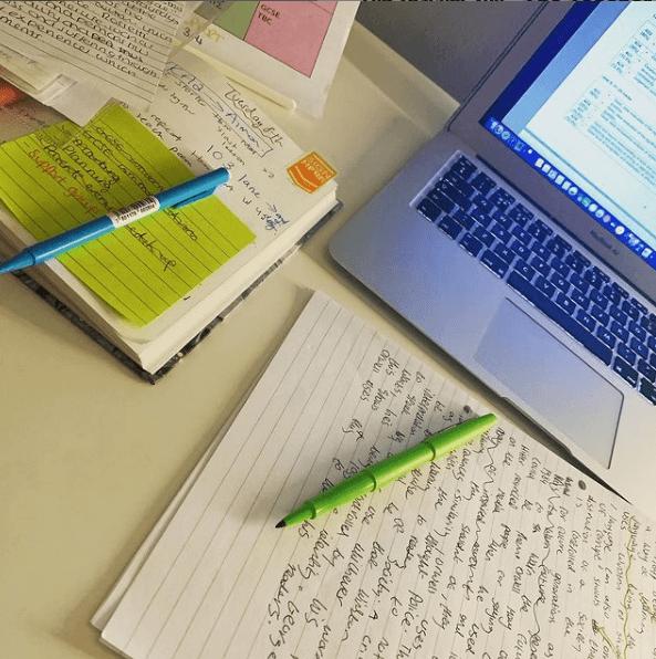 ¿Cuál es el sueldo de un profesor de Universidad? Noche