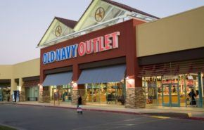 Outlets, oprtunidad para comprar ropa de temporadas pasadas a precios reducidos